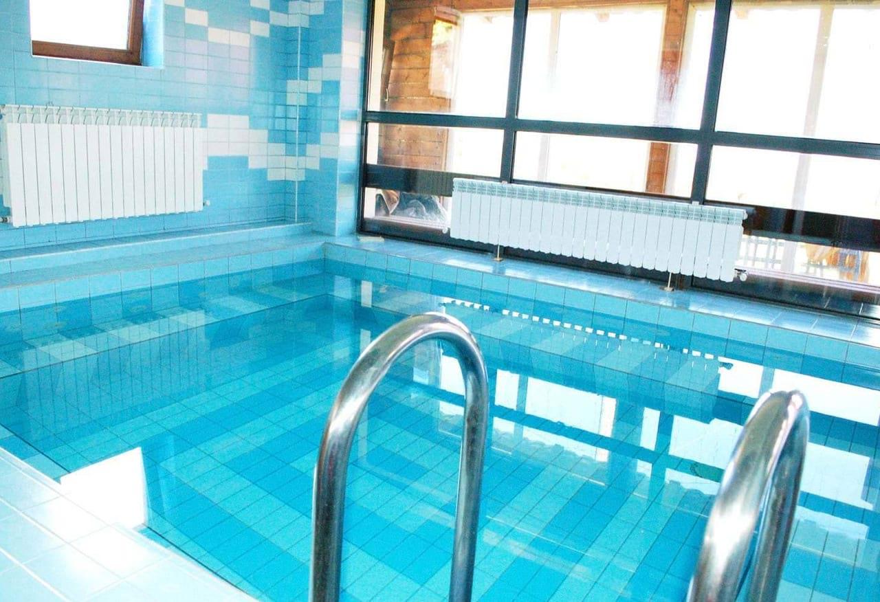 activitati-piscina-spa-pensiunea-skiland-baisoara-pensiune-baisoara-apuseni